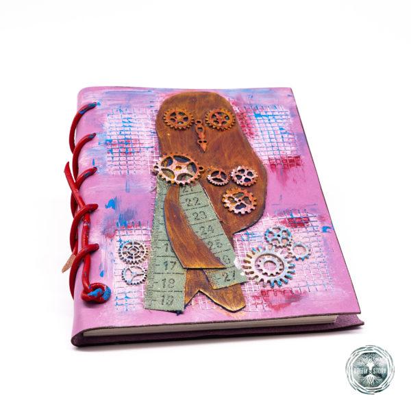 Agnedă din piele lucrată manual cu aplicații, Steampunk bufniță. Handmade