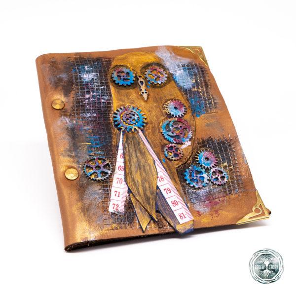 Agendă din piele lucrată manual cu aplicații, Steampunk bufniță. Handmade
