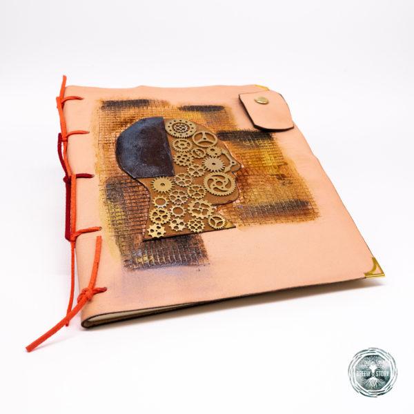 Agendă din piele lucrată manual cu aplicații, Steampunk. Handmade