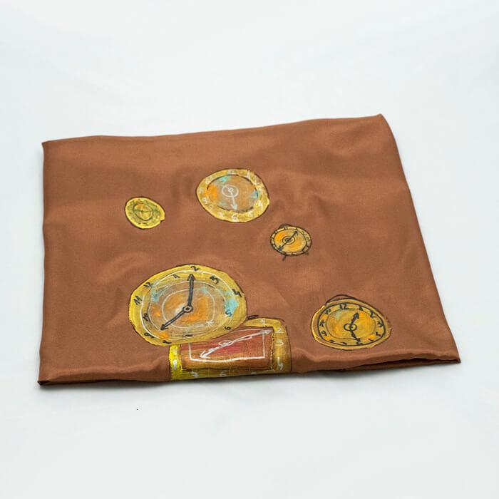 Esarfa Breely Story din matase naturala pictata manual maro perlat model Ceasuri handmade